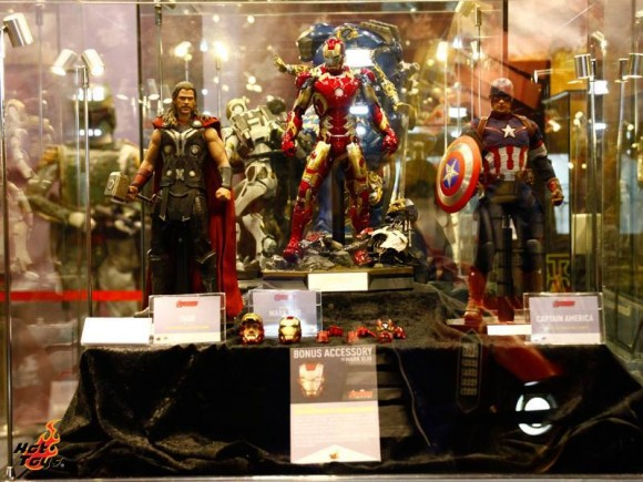 hot-toys-avengers-age-of-ultron-assemble