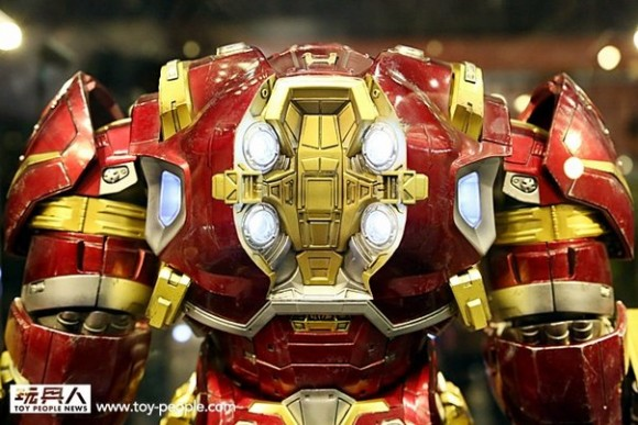 hot-toys-avengers-age-of-ultron-back
