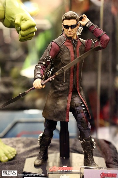 hot-toys-avengers-age-of-ultron-hawkeye