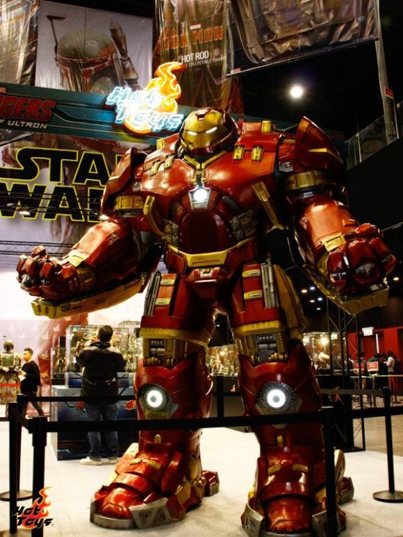 hot-toys-avengers-age-of-ultron-hulkbuster
