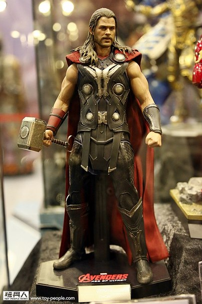hot-toys-avengers-age-of-ultron-thor