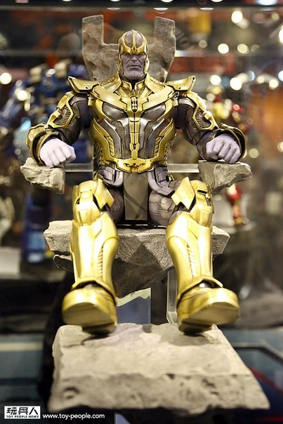 hot-toys-avengers-age-of-ultron-trone