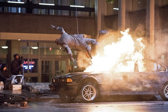 the-flash-revenge-rogues-episode-explosion