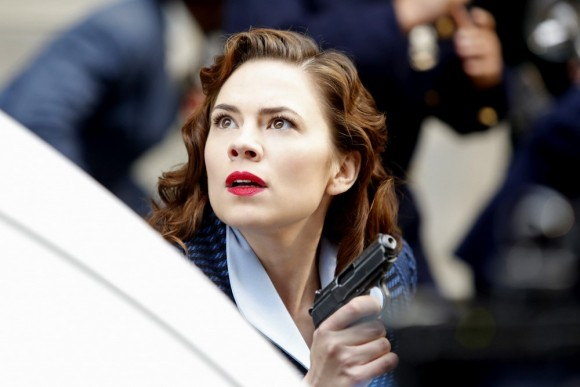 agent-carter-hailey-atwell-marvel-serie