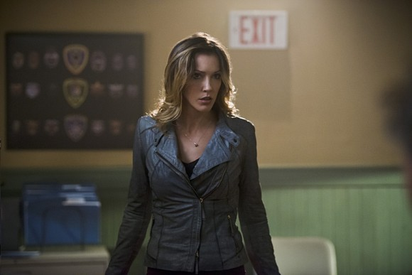 arrow-the-offer-episode-katie-cassidy