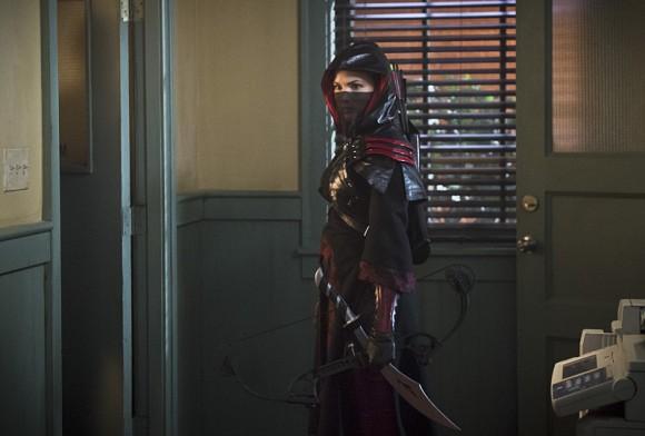 arrow-the-offer-episode-katrina-law