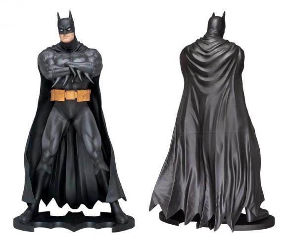 batman-statue-taille-reelle-concours-dc-comics-record-rassemblement-costumes