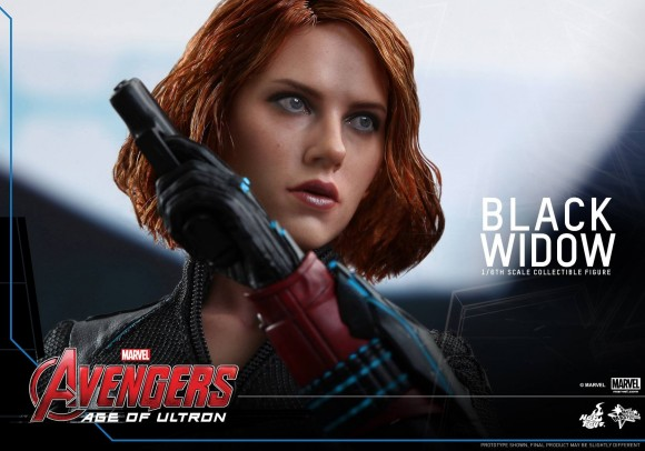 black-widow-hot-toys-avengers-age-of-ultron-scale