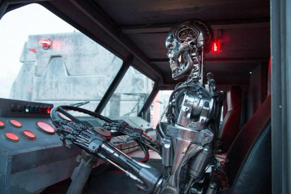 terminator-genisys-conductor-robot