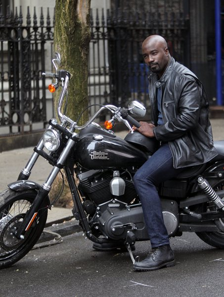 A.K.A. Jessica Jones ( série ) Aka-jessica-jones-mike-colter