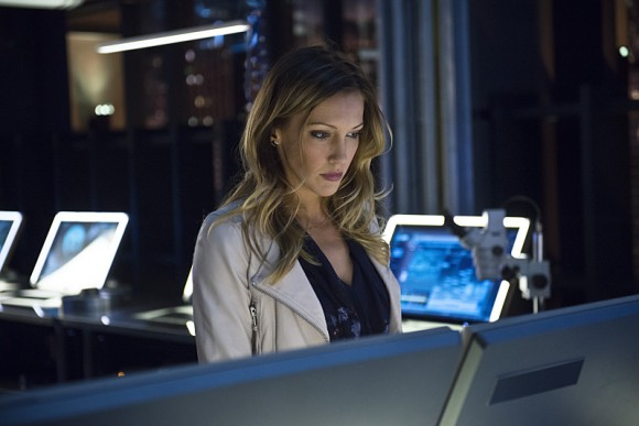 al-sah-him-photos-arrow-episode-katie-cassidy