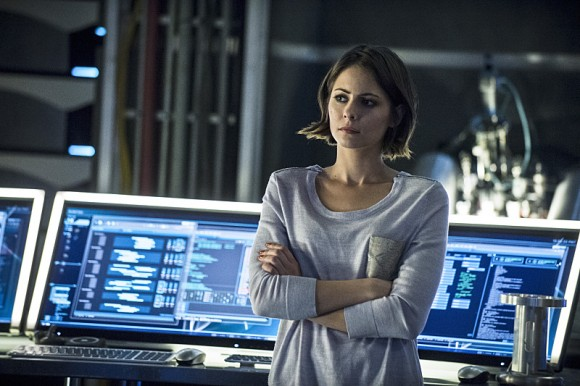 al-sah-him-photos-arrow-episode-thea-queen