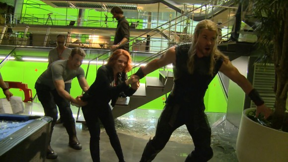 avengers-age-of-ultron-funny-thor-black-widow-captain-blooper