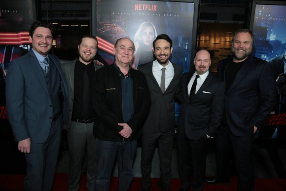 daredevil-netflix-red-carpet-premiere-loeb-team