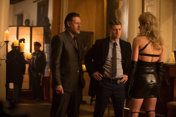 gotham-episode-21-anvil-hammer-enquete