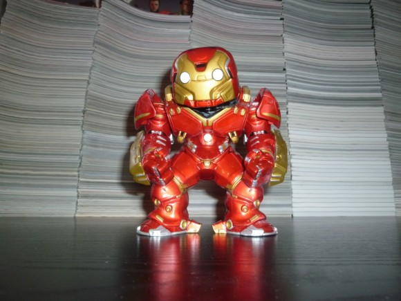 marvel-collector-corps-avengers-box-hulkbuster