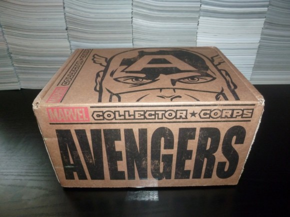 marvel-collector-corps-avengers-box-unboxing