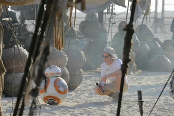 star-wars-force-awakens-picture-bb8-tournage