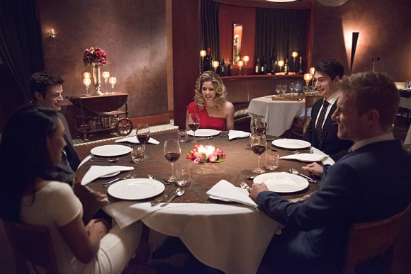 the-flash-all-star-team-up-episode-dinner-felicity-ray
