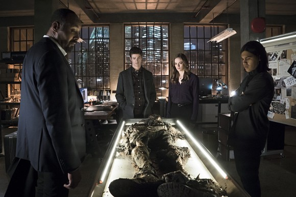 the-flash-episode-who-is-harrison-wells-cadavre