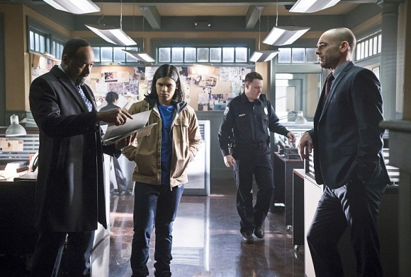 the-flash-episode-who-is-harrison-wells-joe-quentin-lance