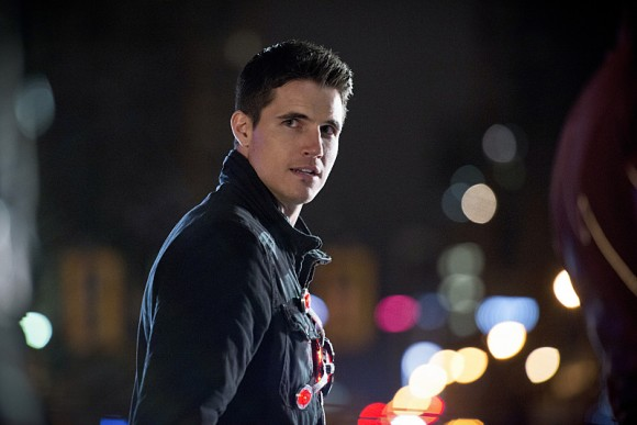 the-flash-rogue-air-episode-robbie-amell