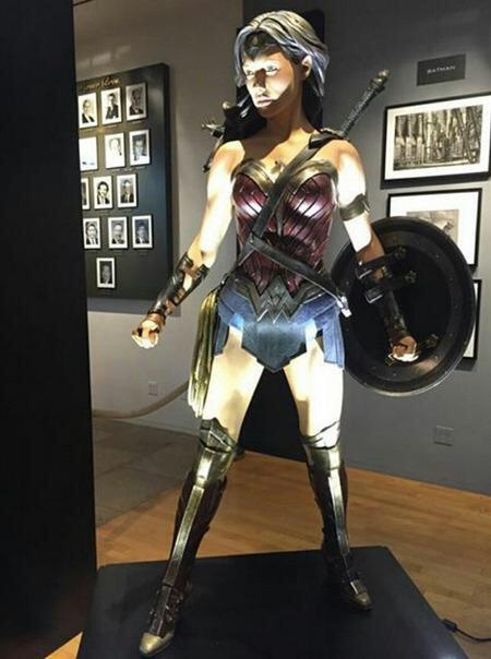 wonder-woman-costume-batman-v-superman