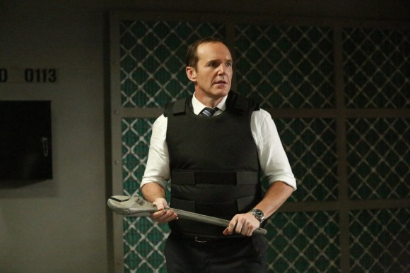 agents-of-shield-season-2-finale-sos-coulson-fight