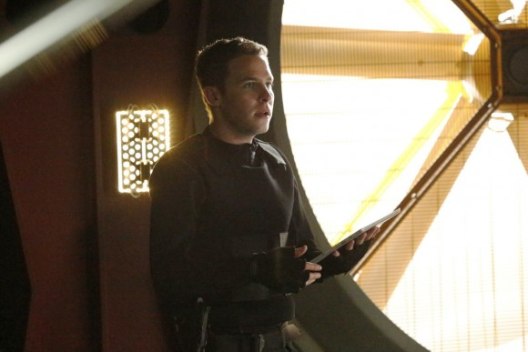 agents-of-shield-season-2-finale-sos-fitz-ian