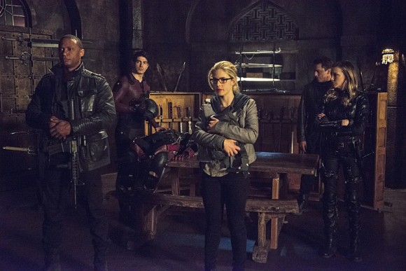arrow-season-finale-my-name-episode-combat