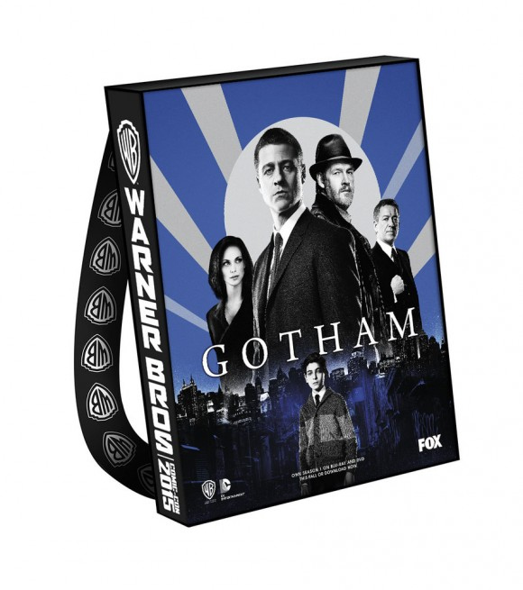 comic-con-2015-warner-bag-gotham
