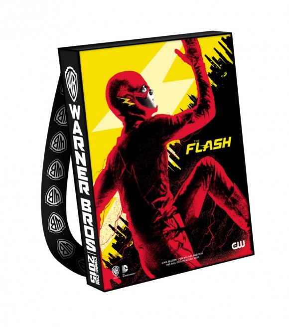 comic-con-2015-warner-bag-the-flash