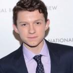 C'est officiel, Spider-Man a un nouveau visage… celui de Tom Holland, 19 ans, qui succède à Tobey Maguire et Andrew […]