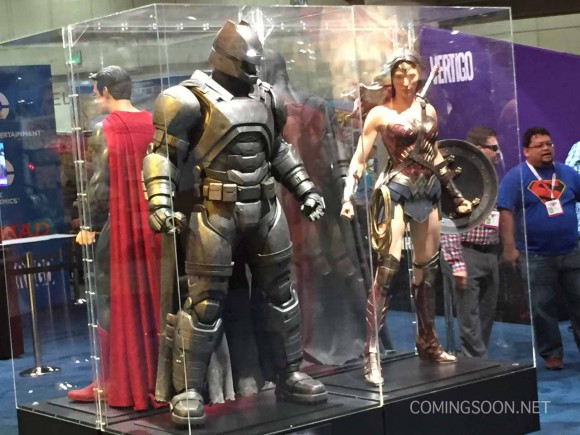 batman-v-superman-comic-con-armure