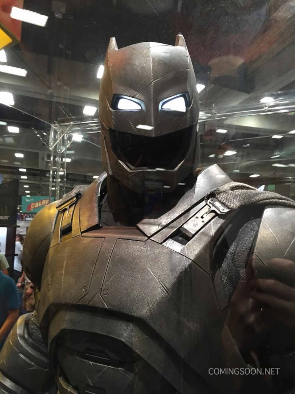 batman-v-superman-comic-con-batou