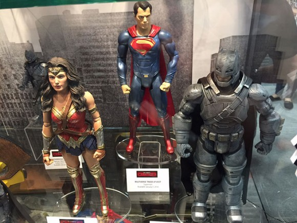 batman-v-superman-comic-con-figurines