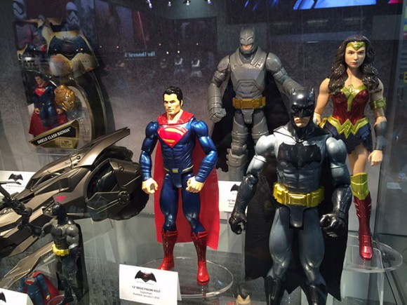 batman-v-superman-comic-con-jouets