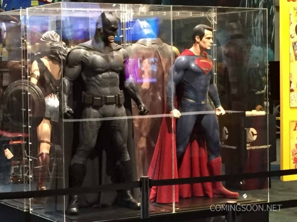 batman-v-superman-comic-con-stand