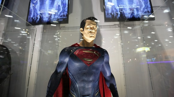 batman-v-superman-comic-con-superman-costume