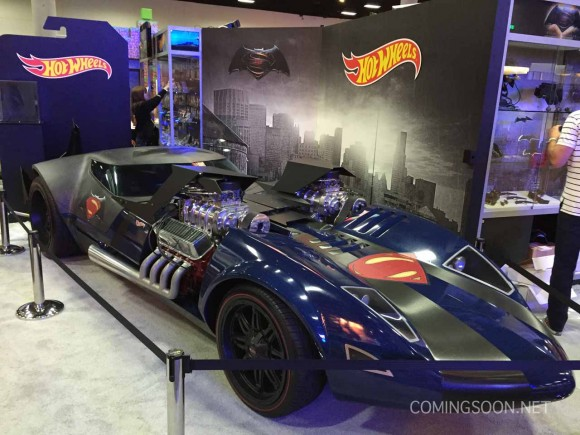 batman-v-superman-comic-con-wheels