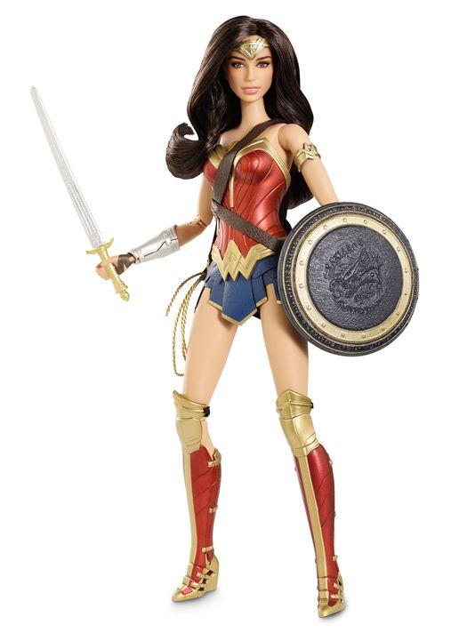 batman-v-superman-dawn-of-justice-wonder-woman-barbie