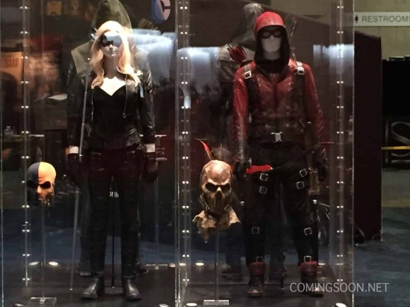 canary-arsenal-costume-comic-con-warner-stand