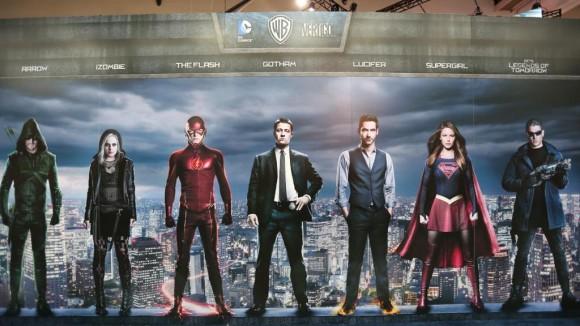 comic-con-dc-comics-series-vertigo-mural-banner