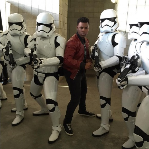 john-boyega-star-wars-the-force-awakens-comic-con-stormtroopers