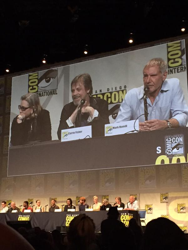 [Lucasfilm] Star Wars : Le Réveil de la Force (2015) Star-wars-the-force-awakens-comic-con-panel-trois