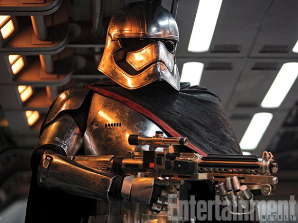 captain-phasma-gwendoline-christie-star-wars-armor