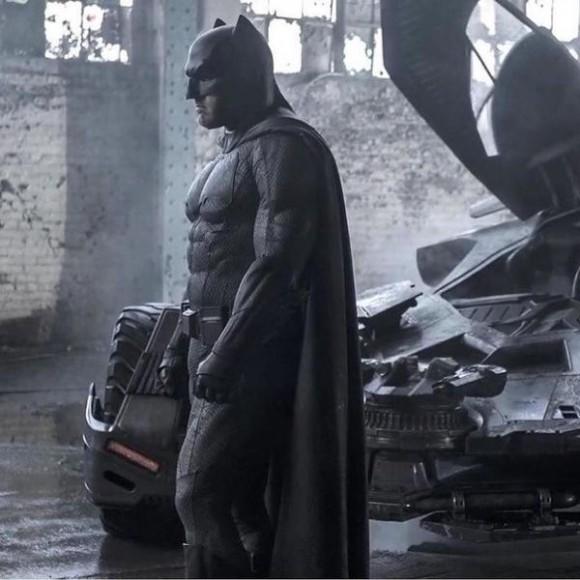 batman-grey-batmobile-clay-dawn