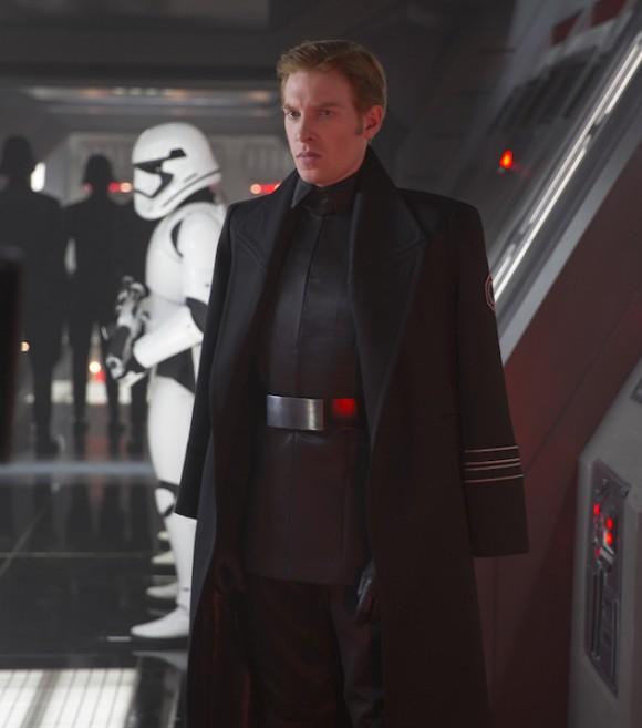 general-hux-star-wars-reveil