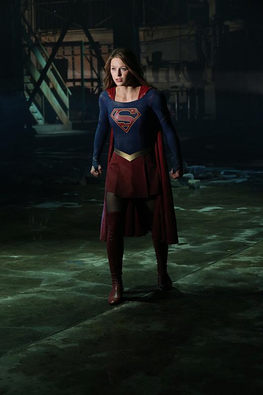 supergirl-stronger-together-episode-costume