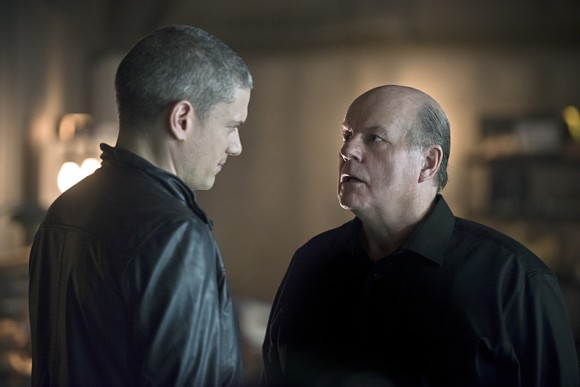 the-flash-episode-family-of-rogues-leonard-snart